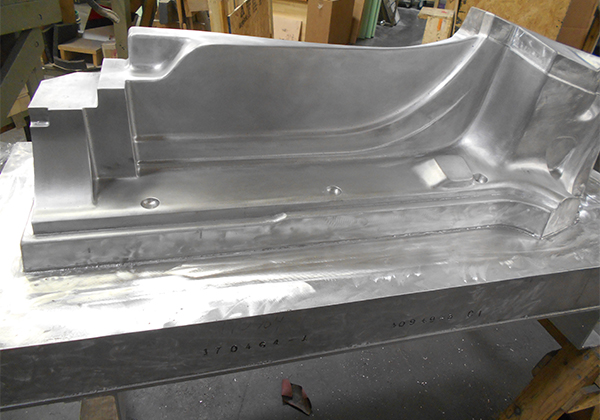 CAST ALUMINUM MOLD VAC FORMING WITH COOLING