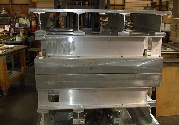 TWINSHEET CNC ALUMINUM MOLD ASSEMBLED