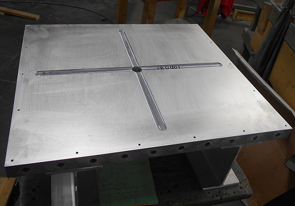 WATER PLATE WITH STEEL FRAME